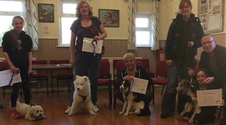 Recent graduates from Durham Puppy School